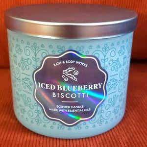 Bath & Bodyworks Iced Blueberry Biscotti Candle